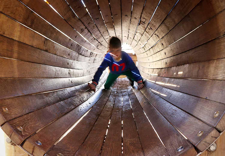 Restaurant und Biergarten Waldheim Heslach Spielplatz Tunnel für Kinder
